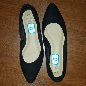 Time and Tru pointy toe flats NWOT 6W
